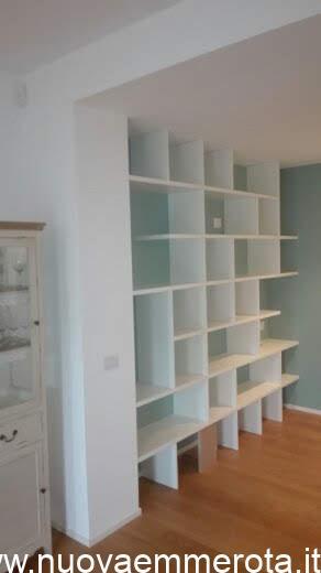 Libreria a giorno colore bianco