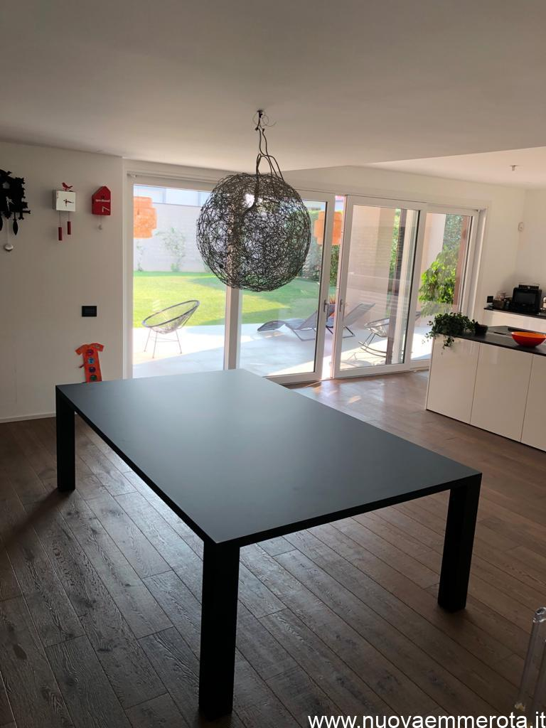 Tavolo cucina in Fenix