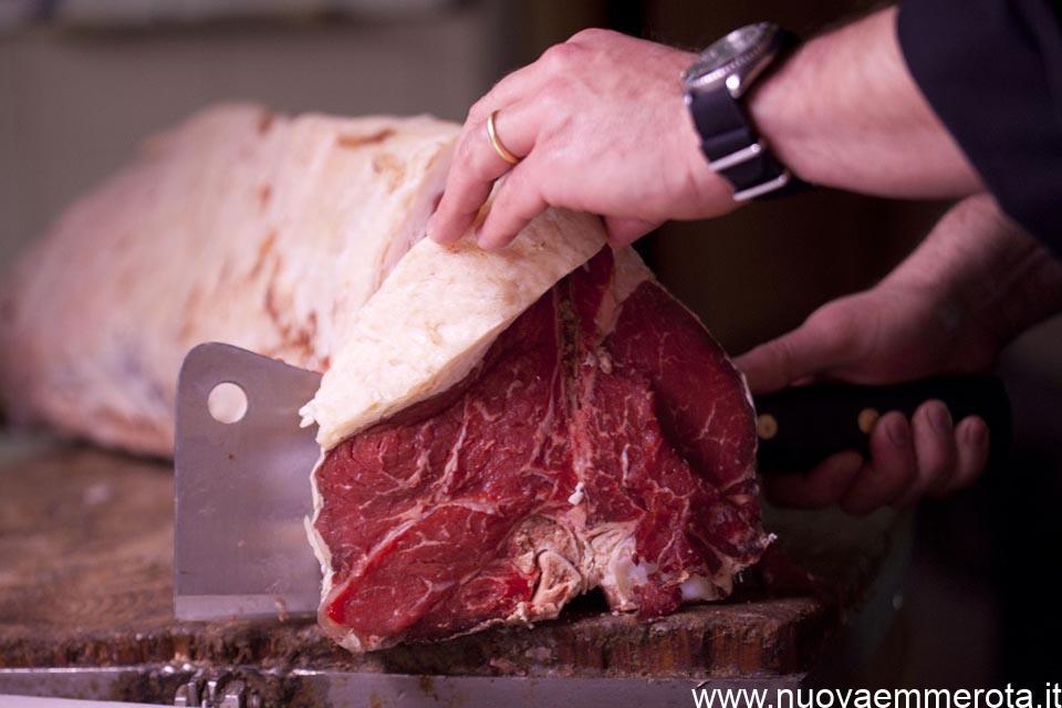 Il ceppo per il taglio della carne