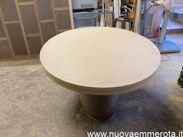 Tavolo ovale in mdf da completare.